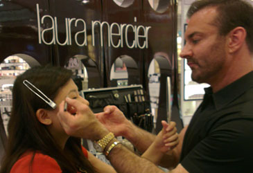 Flawless Face Tutorial With Laura Mercier's Benjamin Ruiz