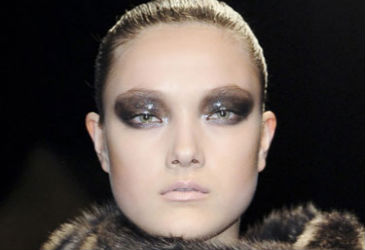 Hottest Eye Makeup Trends For Fall/Winter 2013