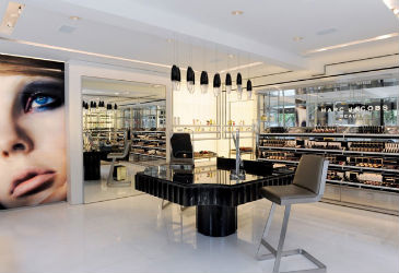Marc Jacobs Opens His First Beauty Store