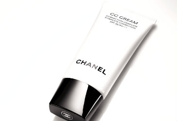 Review: Chanel CC Cream Complete Correction SPF30/PA+++