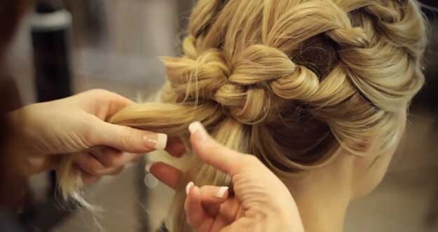 This Short Tutorial Shows You How To Do Chic Updo For Bridesmaids