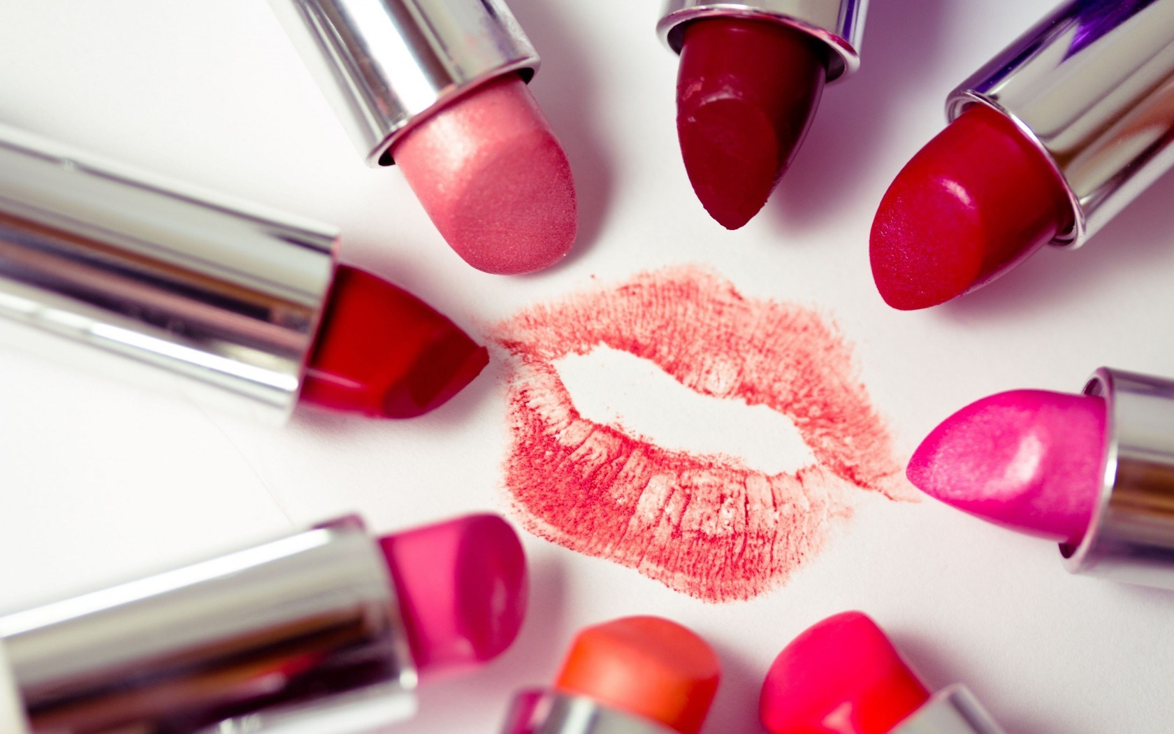 Pregnant Women Abstain From Lipstick 1