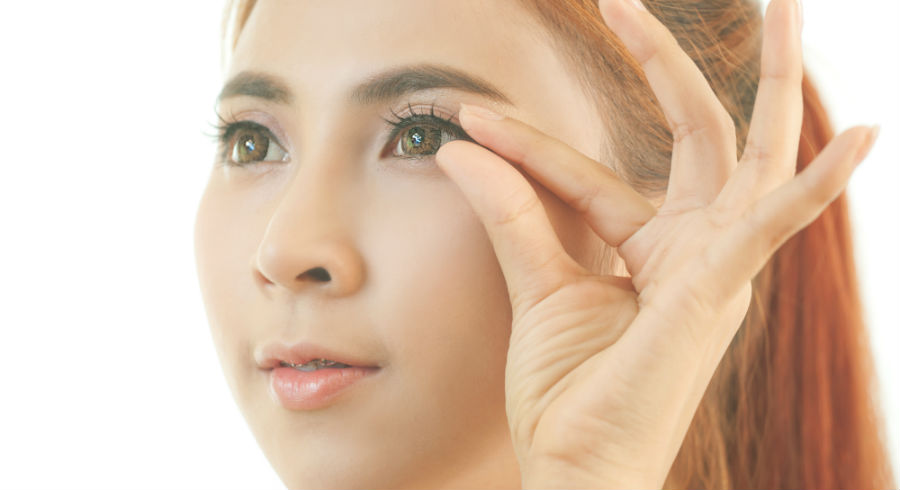 9 reasons why you suck at applying false eyelashes