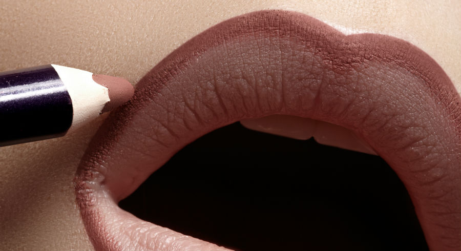 You Probably Don't Own A Lip Liner But You Really Should. Here Are 5 Reasons Why