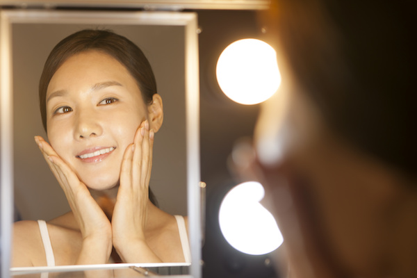Priming may seem to be a redundant step in the makeup routine that many people overlook; most of us jump right into foundation after our skincare routine.