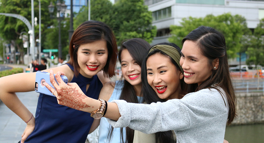 8 makeup tips to help you get the perfect selfie – no filter needed!