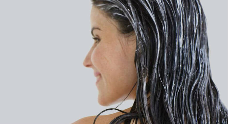 Not shampooing your hair is a thing?! We give you the lowdown to this trend that sounds disgusting at first