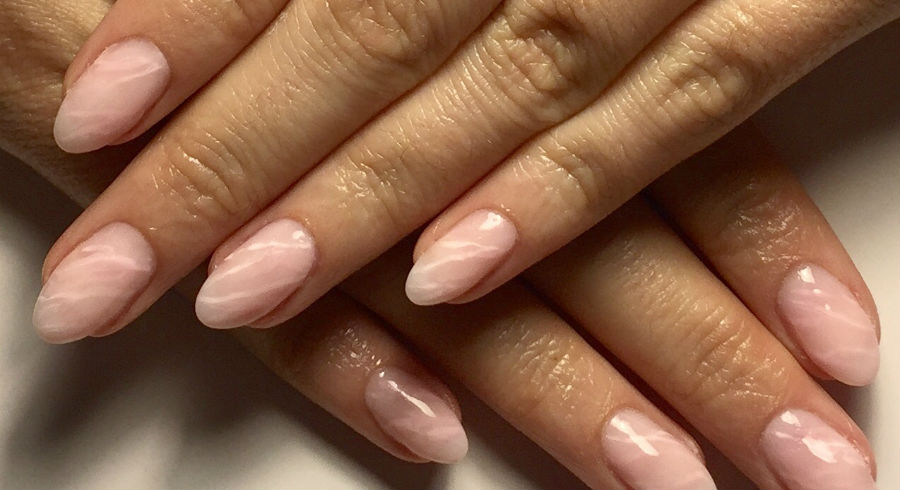 Move over, marble nails. Rose quartz nails are our new favourite!