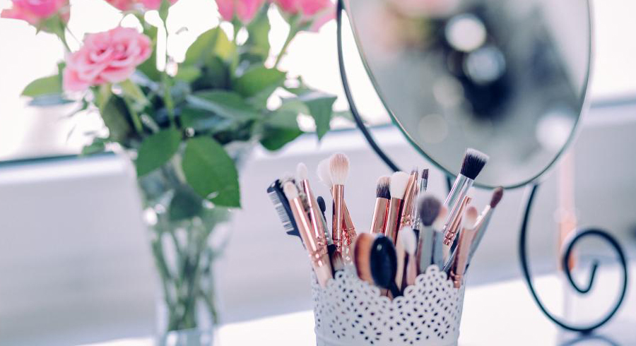 5 easy and affordable ways to give your vanity table an Insta-worthy makeover