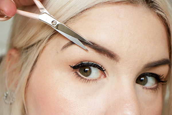 How To Trim Eyebrows Have The Right Tools