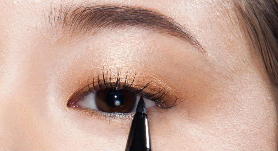 "A cushion eyeliner?! If that doesn't make you curious enough, we're also creating a ""line-less"" eyeliner look with it"