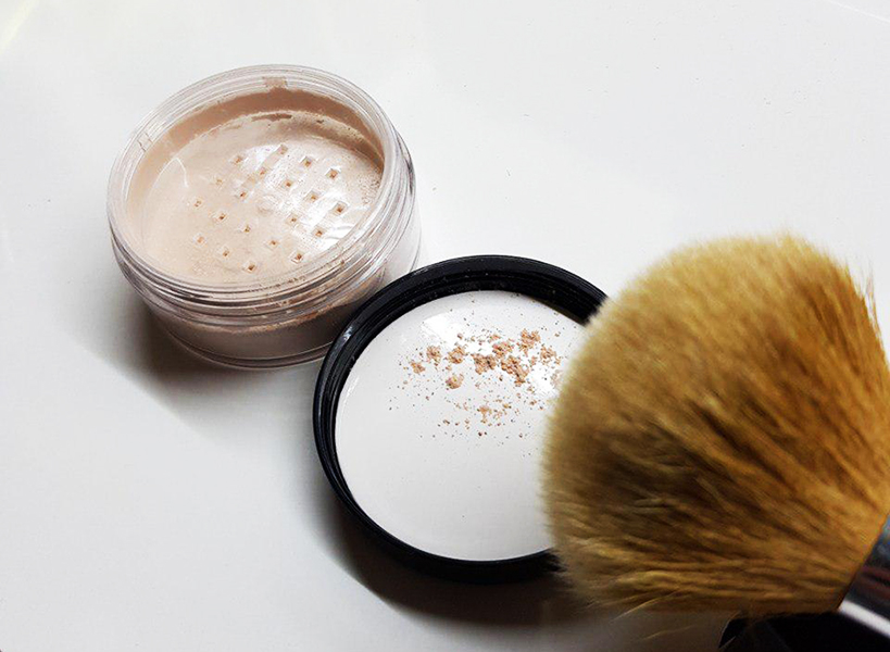 Trying Mineral Makeup Powder