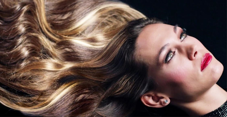Those smooth, glossy locks in hair shampoo ads are a lie and this new video showed us how they do it