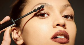 Is Mascara Bad For Your Eyelashes Feature