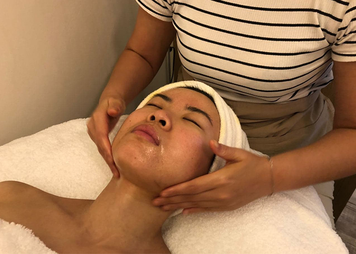 Sensitive Skin Facials Pure Tincture Cleansing