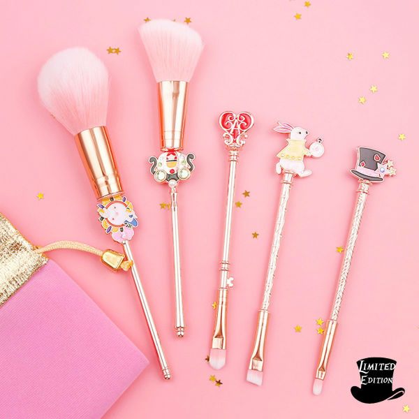 Alice In Wonderland Makeup Brushes 2