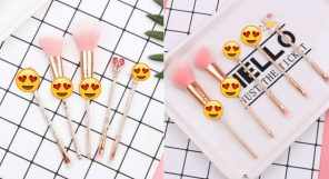 Alice In Wonderland Makeup Brushes Featured