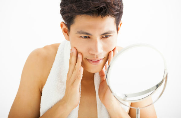 Basic Simple Skincare Grooming Asian Men Evening Routine