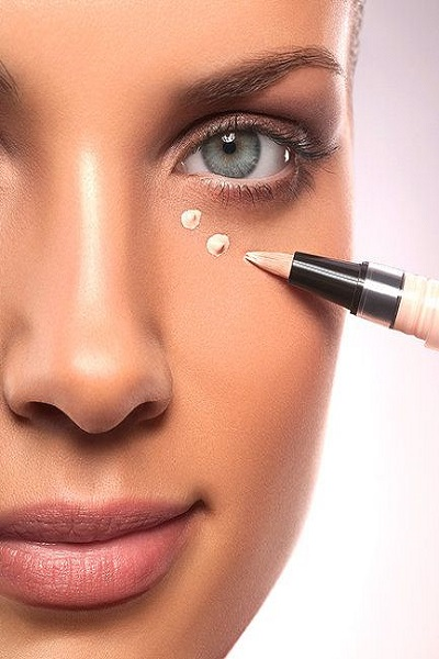 Concealer Application Tips 3