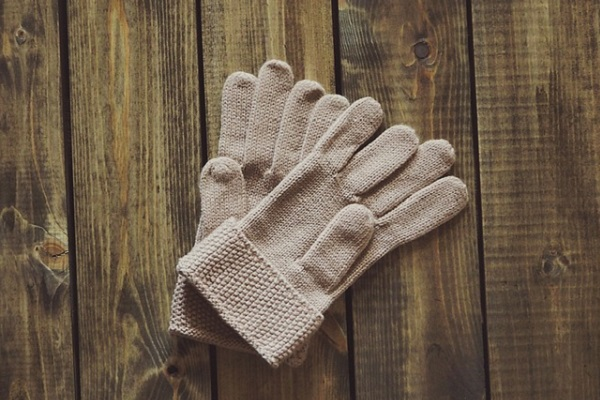 Cream colour gloves sleep