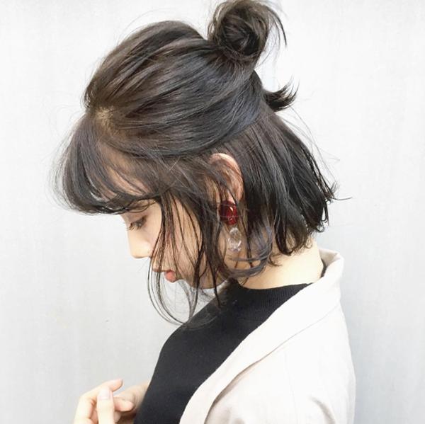 Hair Styles That Keep Hair Out Of Face Half Bun