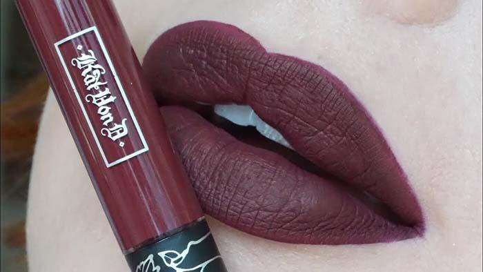 Vampy Lipsticks For Halloween Kat Von D Everlasting Liquid Lipstick Vampira Swatch