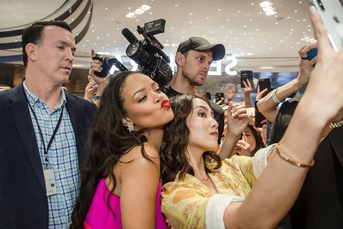 Fenty Beauty Anniversary Rihanna 6