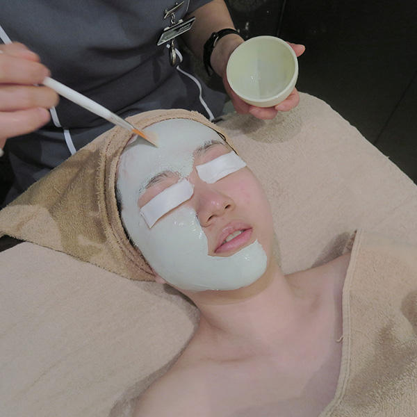 Renaza Facial Benzonite Clay Mask