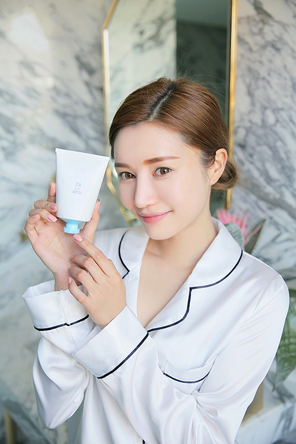 Cute Korean Face Masks 3ce White Milk Sleeping Mask