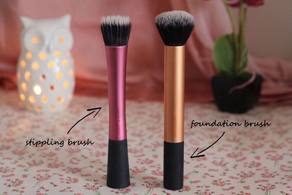Stippling Brushes Vs Foundation Brushes Differences