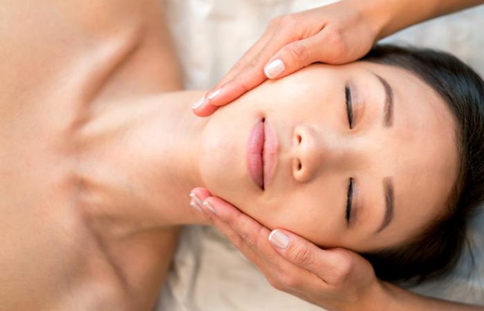Gua Sha Facial Treatment Singapore Beautti Slim