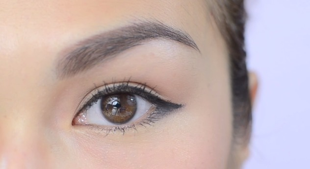 Best Tips And Products For Outdoor Photoshoots Eyeliner