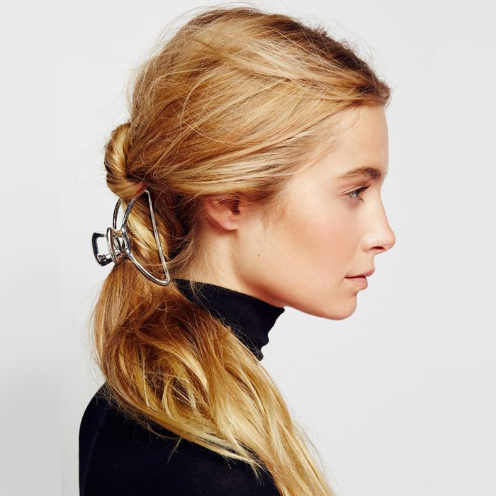 Do A Relaxed Low Ponytail