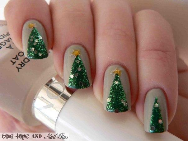 Easy Simple Christmas Tree Nail Art Designs 5