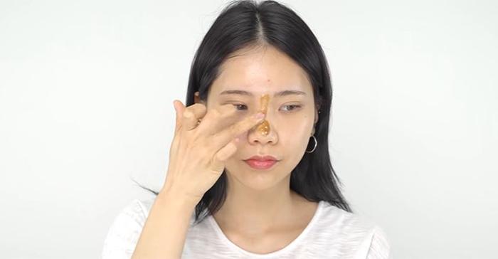 blackheads-on-nose-exfoliate