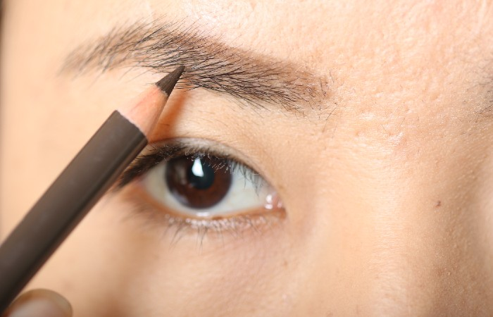 how to trim brows - fill in brows