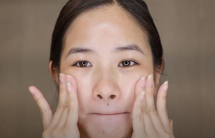 korean-skincare-routine-cleansing-oil-2