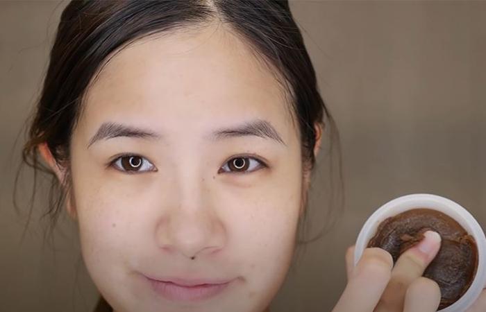 korean-skincare-routine-exfoliator-1