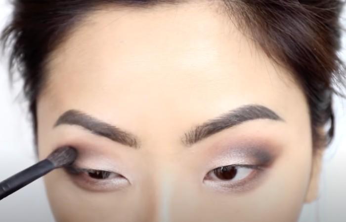 smokey eyes beginners monolids step 5 different angle