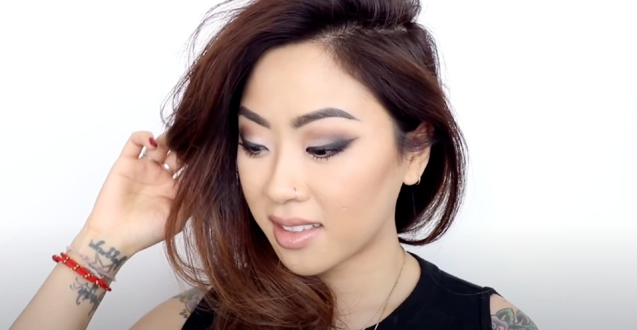 Easy smokey eye makeup for monolids and hooded lids (2021 beginners' edition)