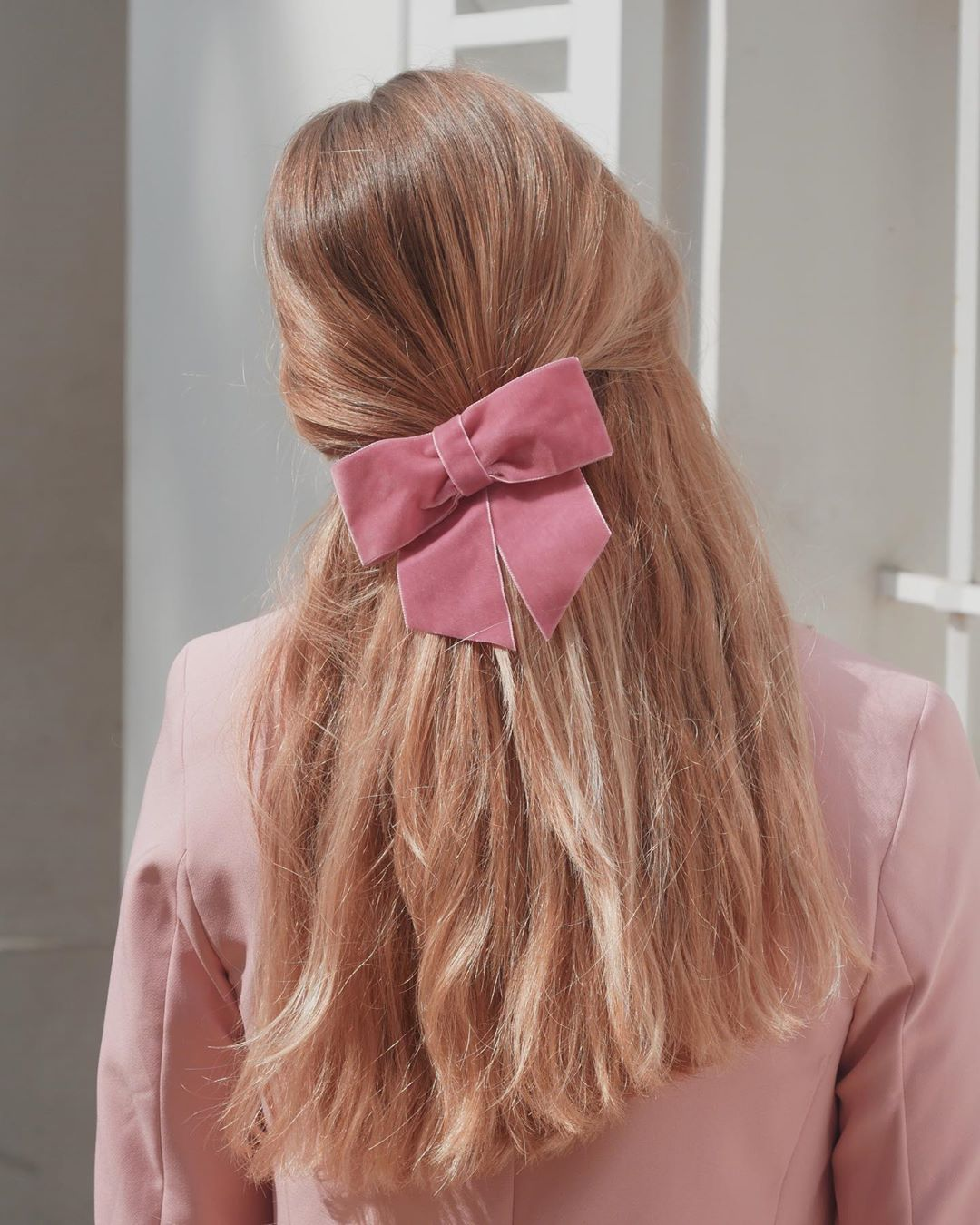 Halfup Hairstyle With Bow Tie 2