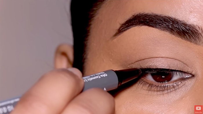 natural-eyeliner-hooded-eyes-simple-1