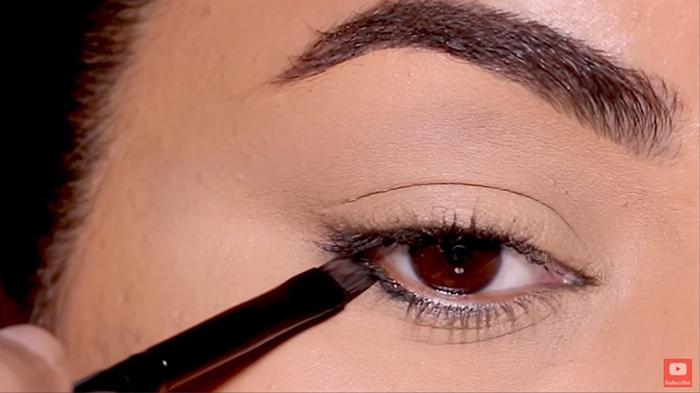 natural-eyeliner-hooded-reverse-smokey-1