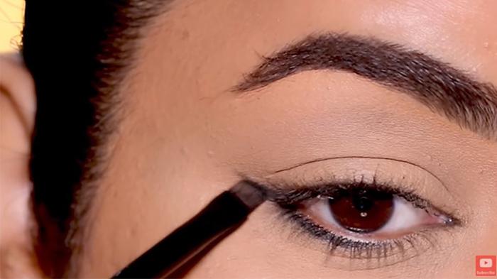 natural-eyeliner-hooded-reverse-smokey-2