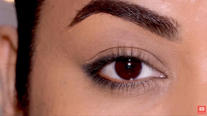 natural-eyeliner-hooded-smoky-corner-final-look