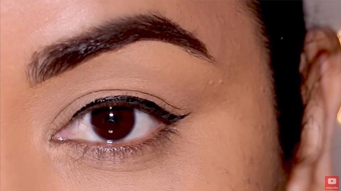 natural-eyeliner-hooded-thinline-final-look