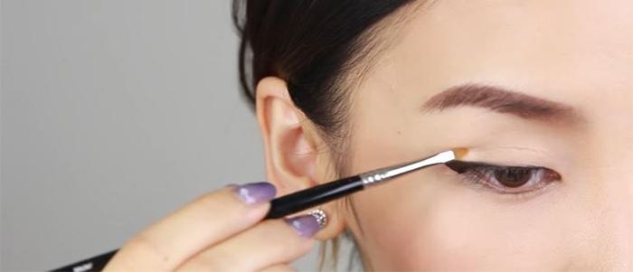 how-to-draw-eyeliner-concealer