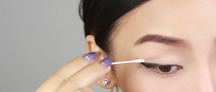 how-to-draw-eyeliner-cotton-swabr