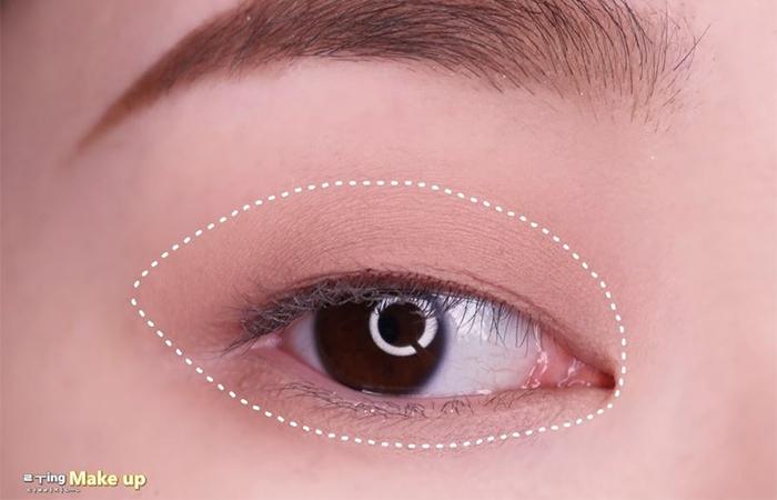 korean-eye-makeup-step-1