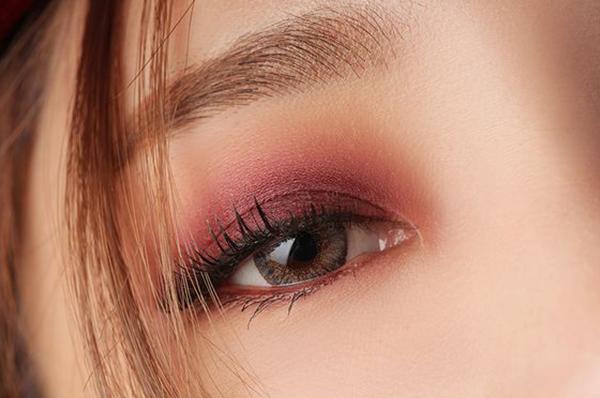 Red Eye Makeup Cny Brown Pink
